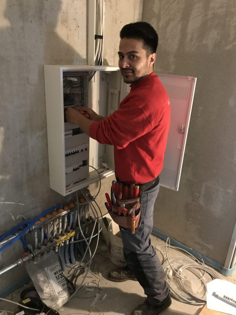 <b>Mehdi Hossain Zada</b></br>Elektroinstallateur EFZ