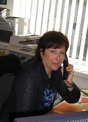 "<b>Yolanda Janutin</b></br><a href=""mailto:janutin@ihrelektriker.ch"">janutin@ihrelektriker.ch</a>"