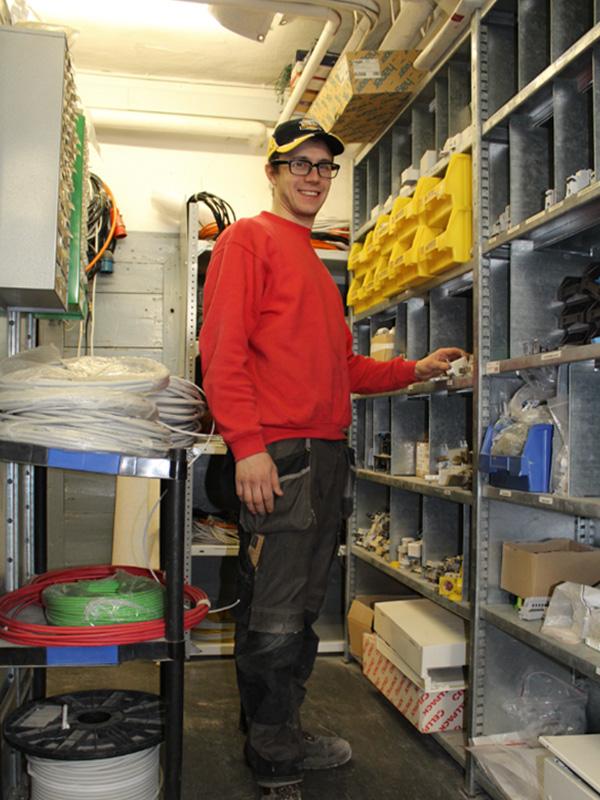 <b>Aaron Täschler</b></br>Elektro / Servicemonteur
